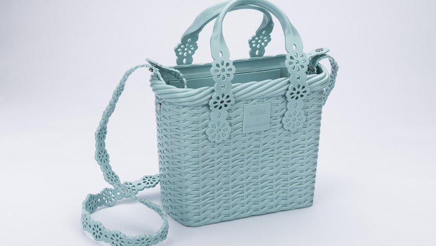 Le sac seau éco-responsable issu de la collection Melissa x Viktor & Rolf.