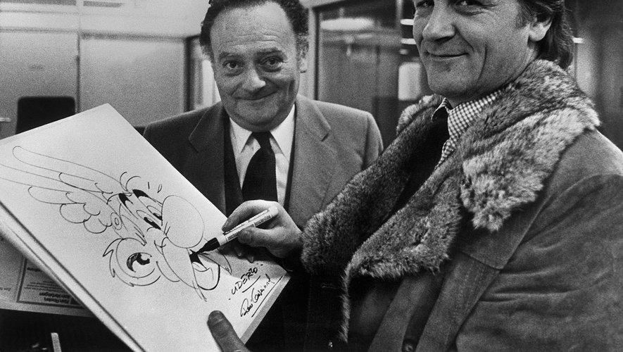 Photo prise vers la fin des années 70 du scénariste de la bande dessinée René Goscinny (G)