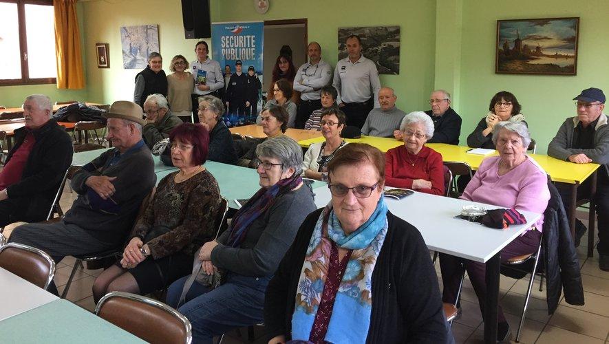 Un large public de seniors a partagé cette réunion vouée à renforcer les conditions de sécurité.