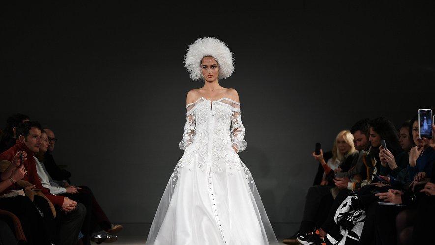 L'une des mariées d'Alexis Mabille. Paris, le 21 janvier 2020.