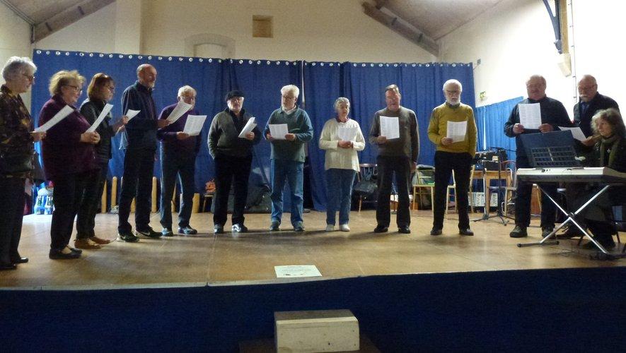 Les Amis de Joseph Vaylet chantent en occitan.