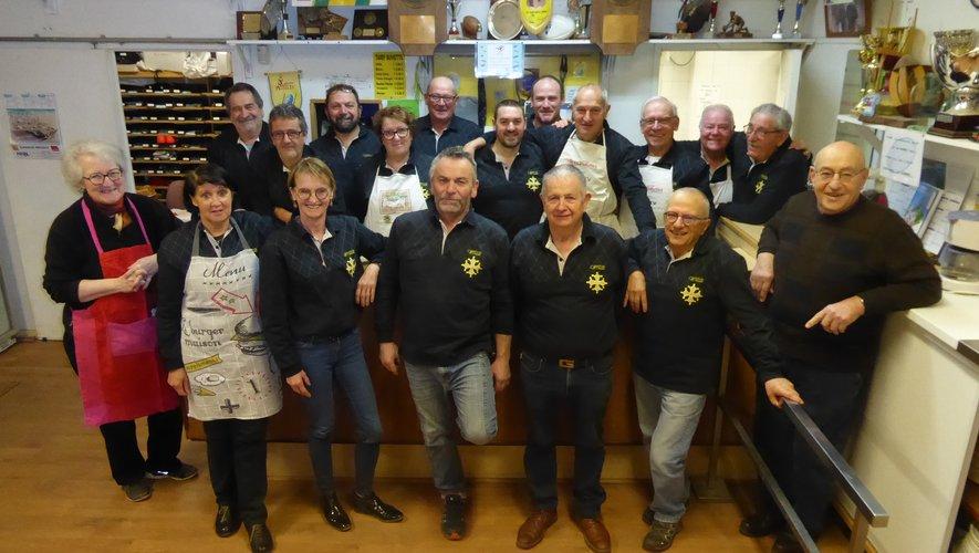 L'équipe de bénévoles de LSA XV avant l'ouverture des portes de la maison du rugby.