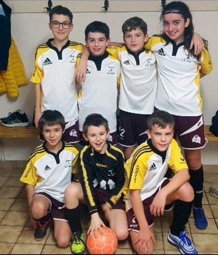 L'équipe 2 des U13 qualifiée pour la finale loisirs en futsal.
