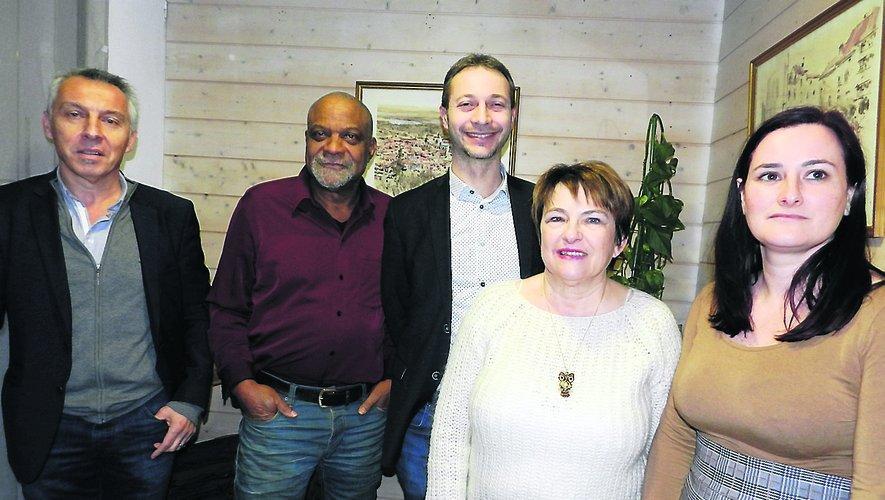 De gauche à droite : Michel Duch, Yves Abibou, Laurent Tranier, Suzanne Andréotti, Christel Castela Cavalié.