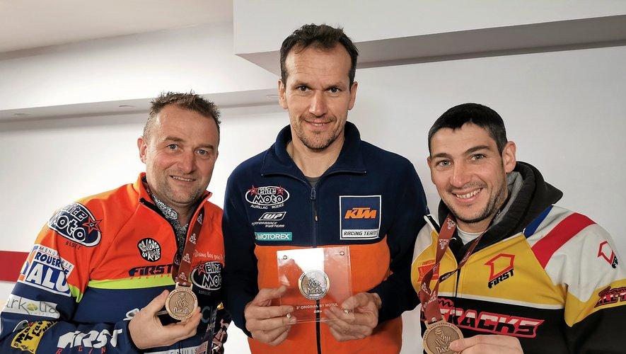 Les trois motards aveyronnais, de gauche à droite : Lionel Costes, Florent Vayssade et Loïc Minaudier.