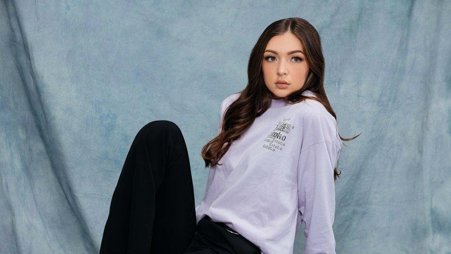 La chanteuse Eva Queen signe une collection pour Don't Call Me Jennyfer.