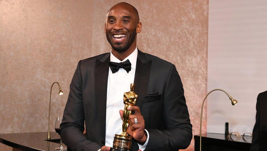 """Kobe Bryant a remporté l'Oscar du meilleur court-métrage d'animation avec Glen Keane pour """"Dear Basketball"""" qui raconte son fabuleux parcours depuis son enfance à sa retraite sportive."""