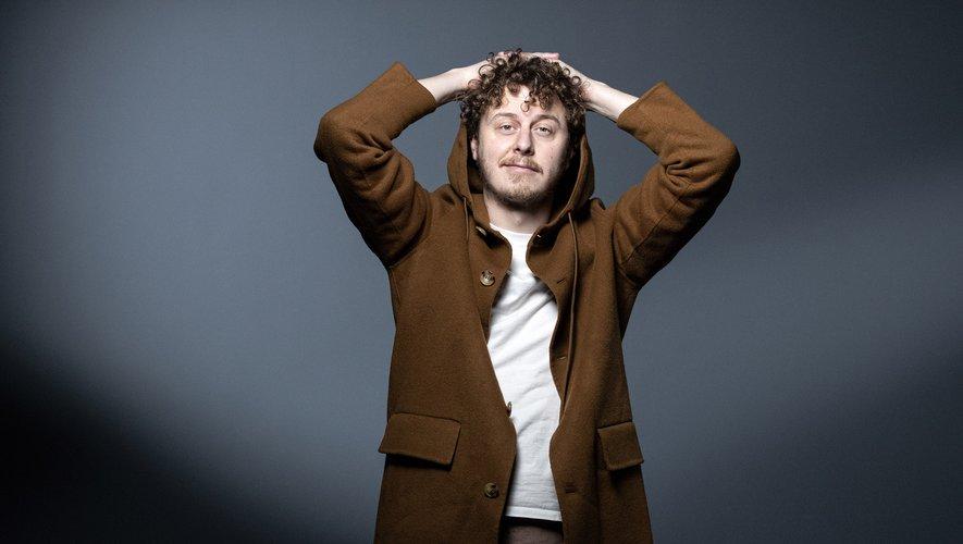 Pour animer ses émissions, le média a recruté un mélange de personnalités du web comme Norman