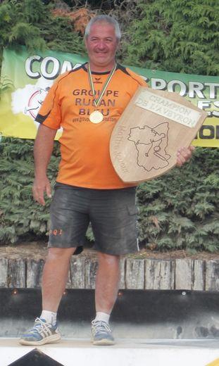 Elian Vigouroux, joueur, président et bénévole du club d'Inières.