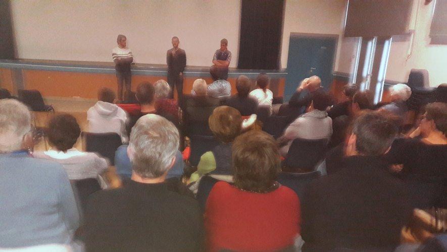 Plus de 70 personnes sont venues voir le film et ont pu échanger sur les expériences de nos vétérinaires.