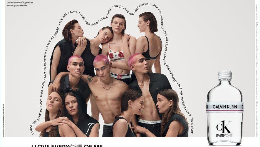 Calvin Klein, Inc. et Calvin Klein Fragrances annoncent les sous-vêtements et les jeans CK ONE et le parfum CK EVERYONE.