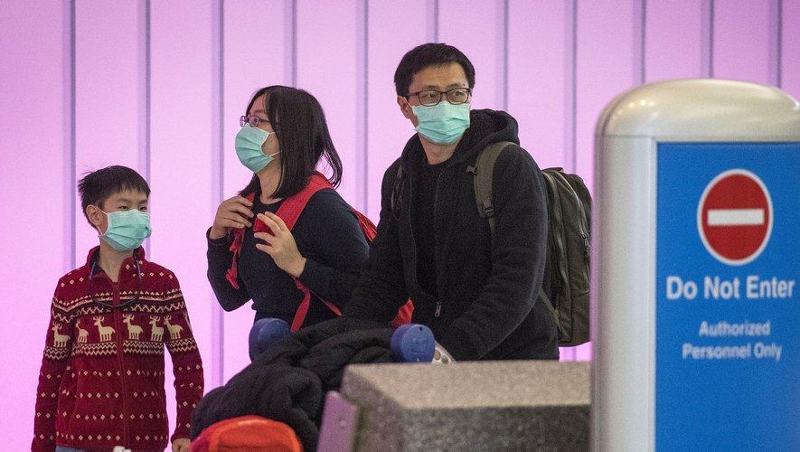 Plusieurs compagnies aériennes ont pris la décision de suspendre ou de réduire leurs vols vers la Chine continentale face à la propagation du nouveau coronavirus qui a déjà fait 170 morts.