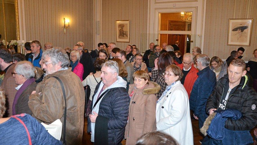 Les nouveaux habitants ont été reçus en la salle de réception de la mairie, mercredi soir.