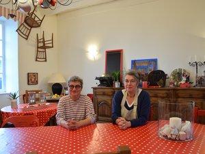 Jane Agou-Géraudie (à droite)est propriétaire de la bâtisse, l'ancienne école, depuis 15 ans. Elle est épaulée par Isabelle Gerbaud pour le service,le choix des vinset la communication.