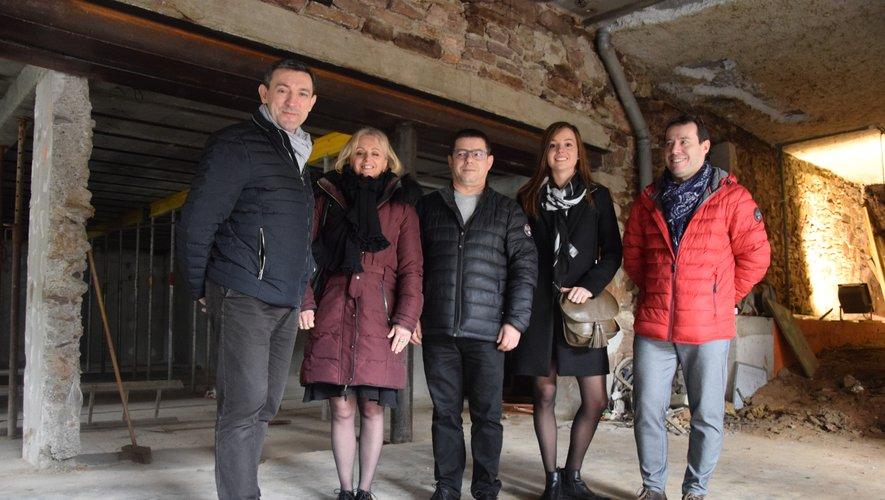 Le maître d'ouvrage David Garlenc aux côtés de son épouse Édith (ProVieDanse), Georges Santos, Valentine Massif et Michel Santos.