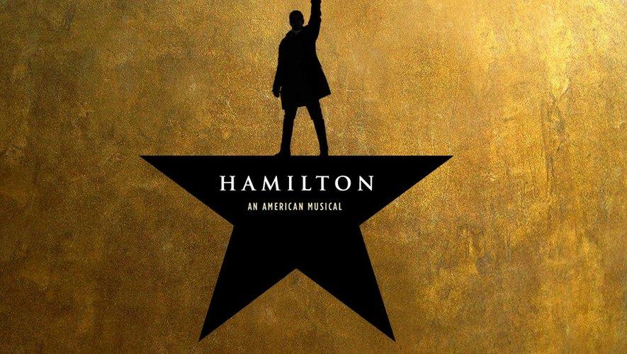 Arrivée à Broadway en août 2015, cette comédie musicale qui raconte l'histoire d'Alexander Hamilton, l'une des figures fondatrices de la nation américaine, a rencontré un succès exceptionnel à New York.