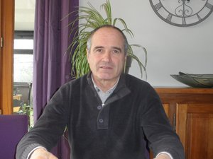 François Vabre présente son équipe.