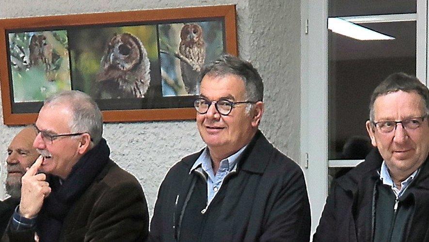 René Lavastrou (au centre) passe le relais pour gérer ce fructueux mais vertigineux dossier.