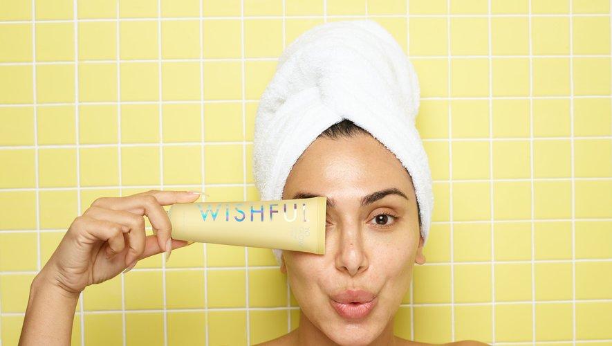 """Huda Kattan lance sa première gamme de soins pour la peau """"Wishful""""."""