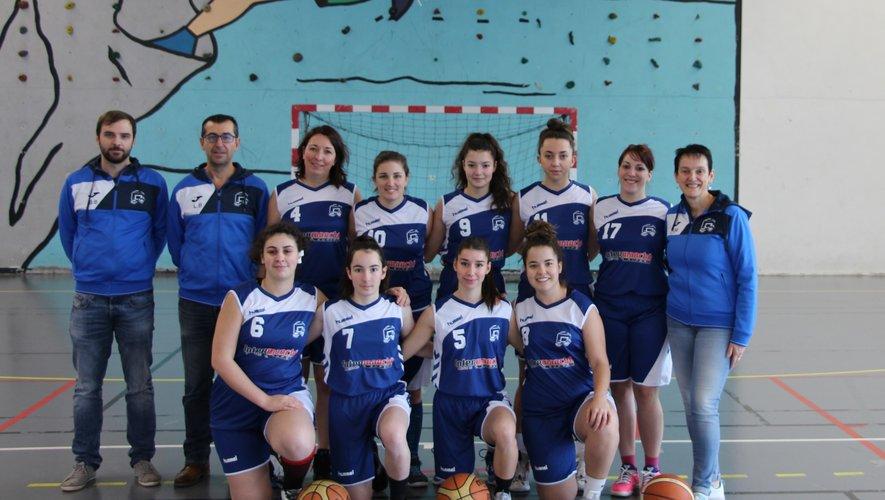 L'équipe seniors féminines IIest équipée de nouveaux maillots offerts par Intermarché.