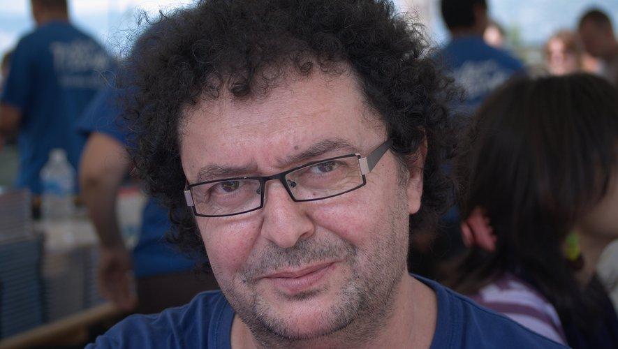 Après avoir travaillé dans le studio d'animation de René Laloux (un des maîtres français de la SF), il s'était orienté vers l'illustration de romans de science-fiction, avant de percer dans la BD.