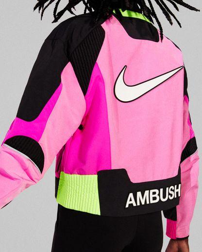 La silhouette signée Nike x Ambush.