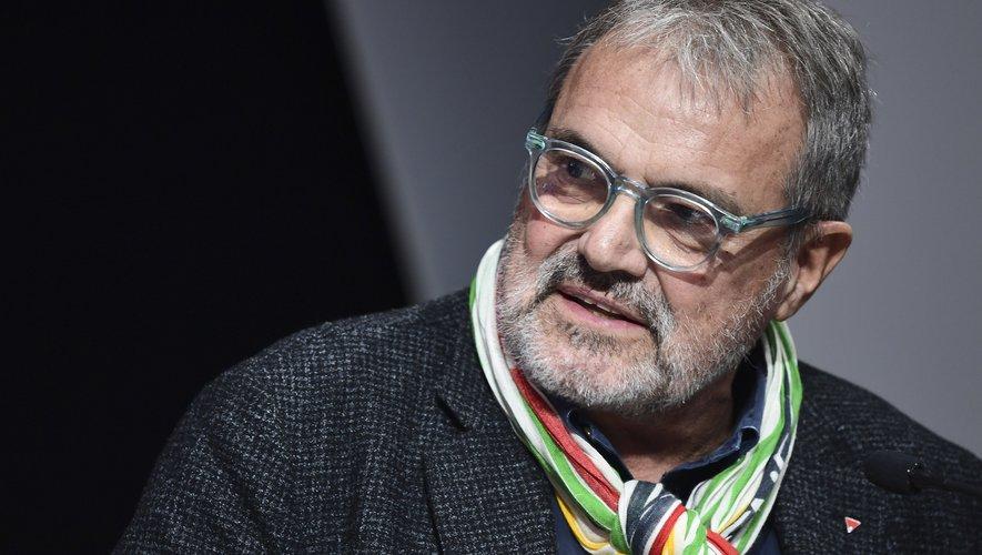 Le groupe italien d'habillement Benetton a annoncé jeudi qu'il mettait un terme à sa collaboration avec son célèbre photographe Oliviero Toscani