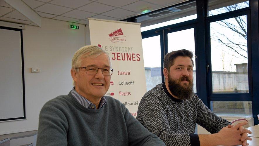 Bernard Cazals, président du Cercle de Camboulazet, aux côtés d'Anthony Quintard, président des Jeunes agriculteurs.