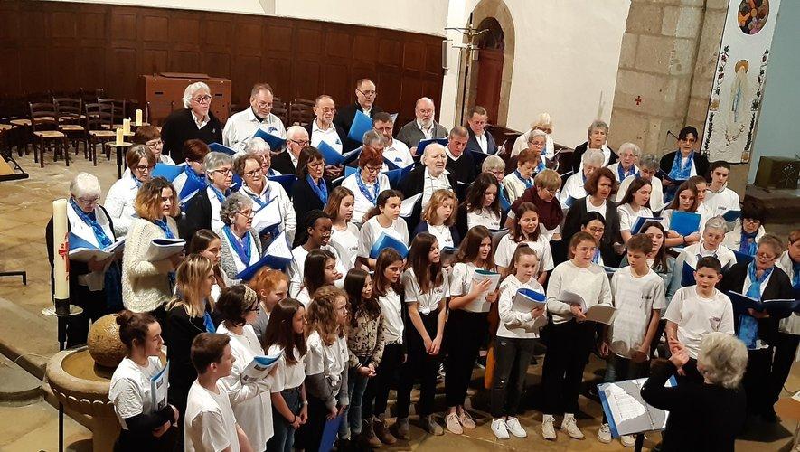 La chorale au Choeur des Flots avec les collégiens d'Espalion