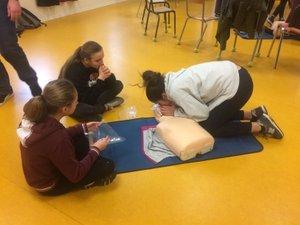Les ados se sont formés aux gestes de premier secours