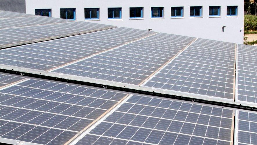 Millau Le Photovoltaique Sur Le Toit Des Ecoles Inquiete Les Parents Centrepresseaveyron Fr