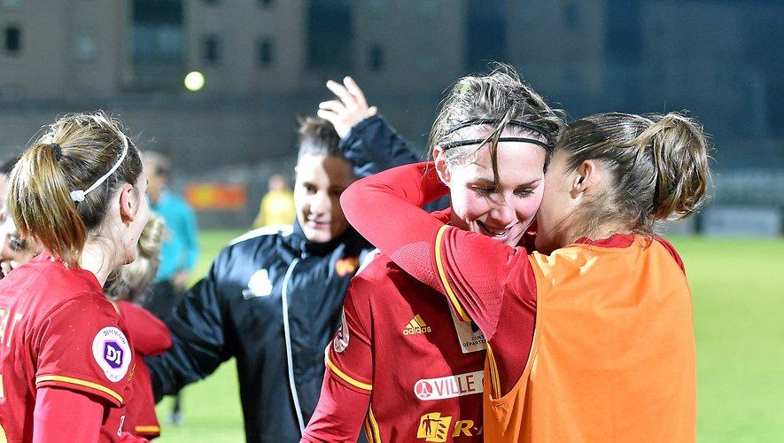 Près de neuf mois après son dernier match (ci-dessus), Flavie Lemaître est revenue à Paul-Lignon le 1er février, lors de Rodez - PSG (0-6, 8e de finale de Coupe de France).