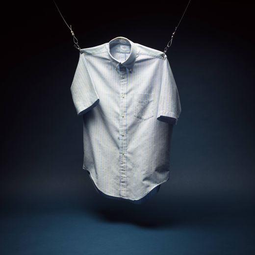 La chemise Hugger Oxford sera vendue au profit de l'organisation WaterAid.