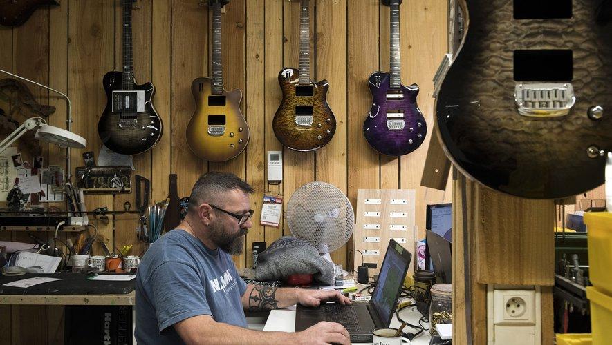 Une société de guitares électriques implantée dans l'Allier se lance à l'assaut du marché américain après avoir déjà séduit les Guns N' Roses et ZZ Top.