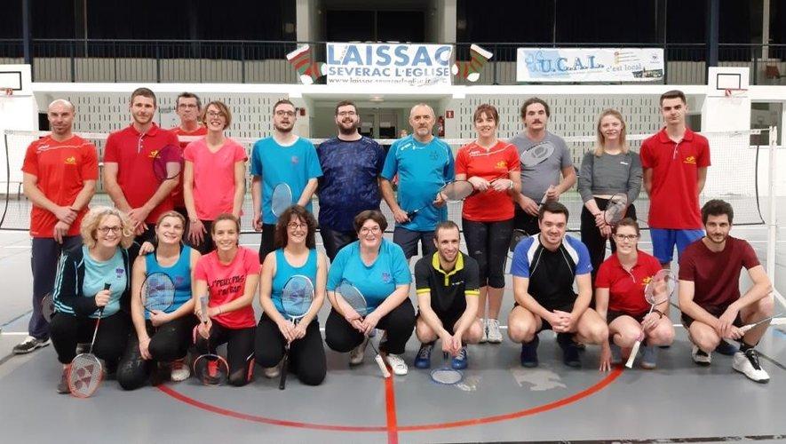 Les entraînements de badminton ont lieu les lundis et les jeudis soir au gymnase de Laissac.