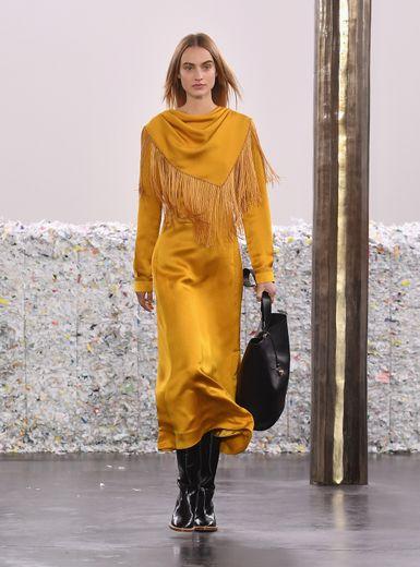 Cette saison, Gabriela Hearst privilégie l'artisanat et s'engage toujours plus pour une mode durable. New York, le 11 février 2020.