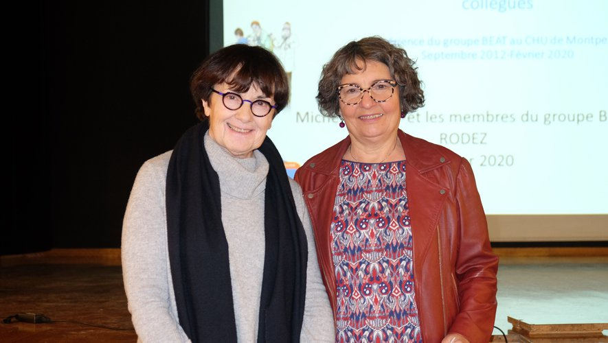 Geneviève Soulié, membre d'Itinéraires Découvertes, présente Michèle Maury, conférencière.