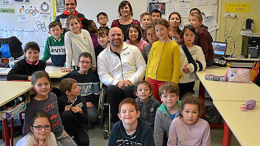 Xavier Cottel, Hervé Pelissier et Lætitia Nowak ont sensibiliséles élèves sur le handicap.