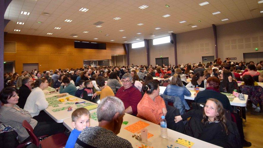 La salle de l'espace culturel a fait le plein d'amateurs de loto pour le plus grand plaisir de l'APE.