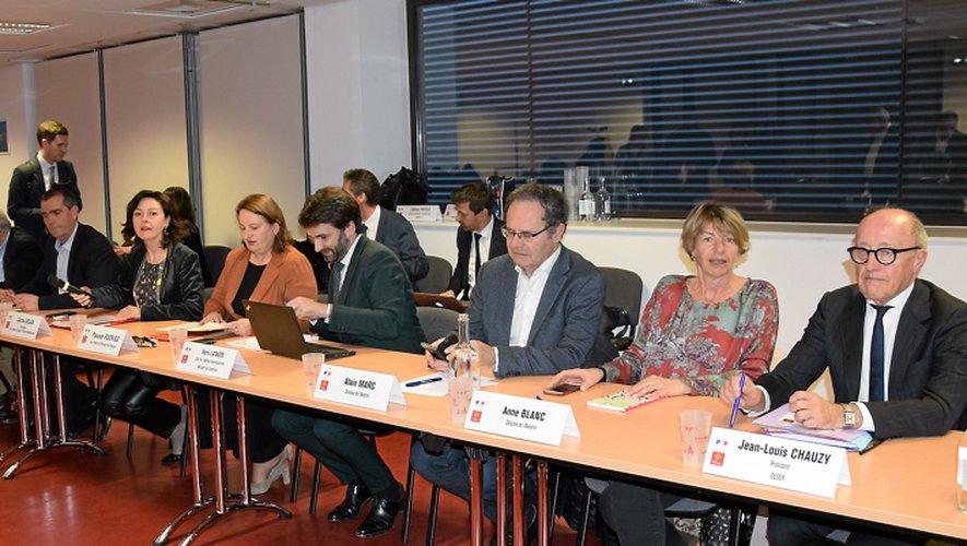 Objectif de la réunion : établir un calendrier d'actions pour soutenir l'usine du bassin decazevillois.