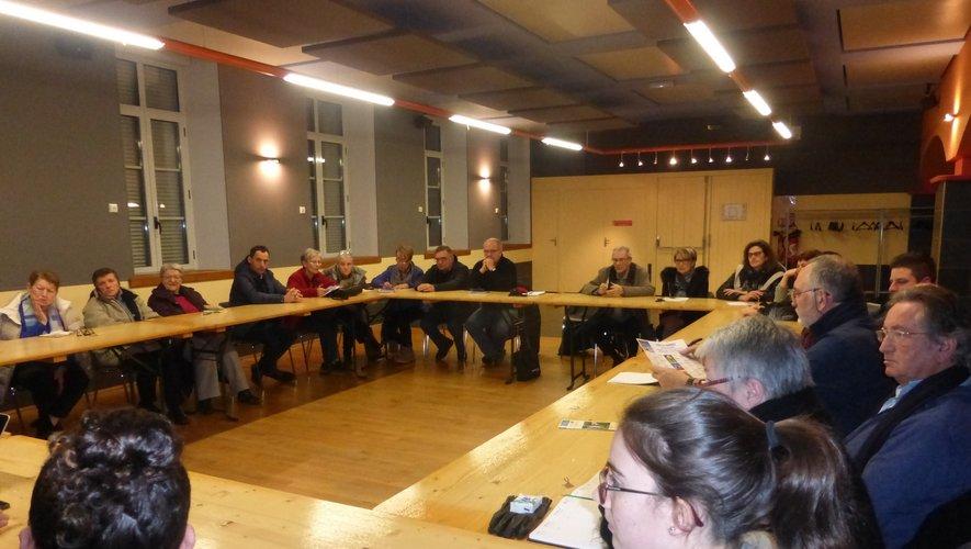 Les participants ont beaucoup échangé au cours de cette rencontre.