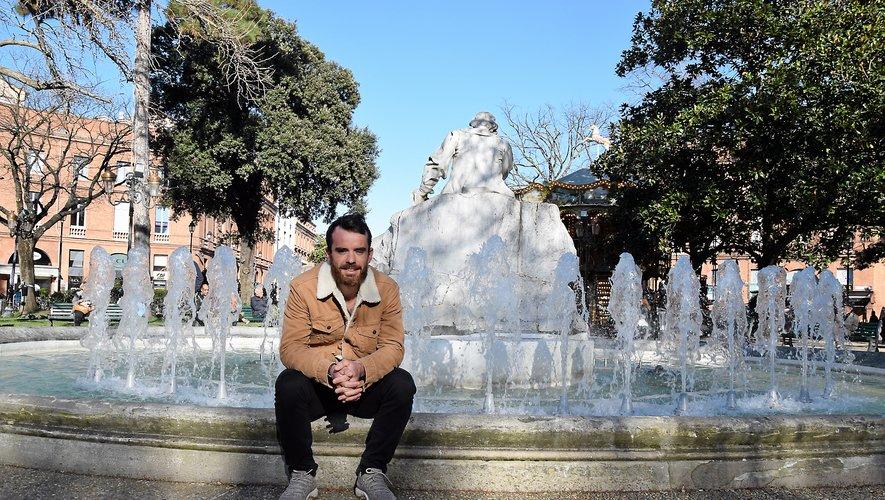 Après avoir brillé sur l'eau, dans un canoë biplace, le jeune retraité Hugo Cailhol, toujours licencié à la MJC Rodez, est psychologue du sport à Toulouse.