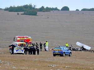 Dimanche, sur les lieux du crash.