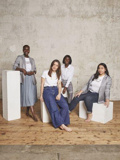 Maison 123 s'engage pour les droits des femmes avec une capsule de 8 essentiels du dressing féminin.
