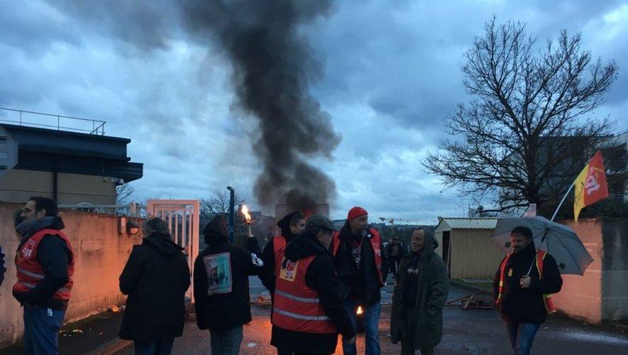 """La CGT appelle l'ensemble des postiers à """"entamer une grève illimitée à partir de jeudi 20 février. Le rendez-vous est fixé à partir de 6h15 devant la plateforme de distribution et de préparation du courrier d'Onet-le-Château."""