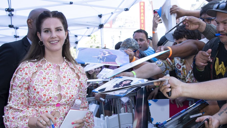 Lana Del Rey annule le concert qu'elle devait donner dimanche à Paris
