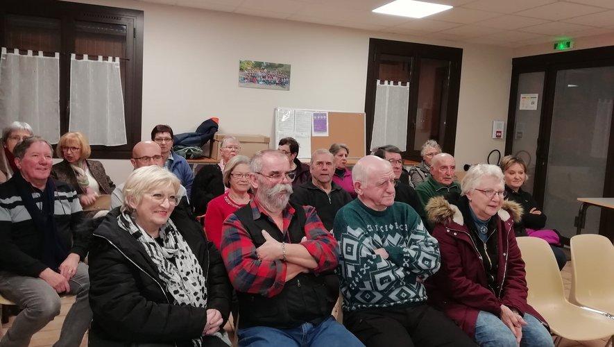 Le public à l'écoute des bilans de l'association Mescladis concernant l'année 2019.