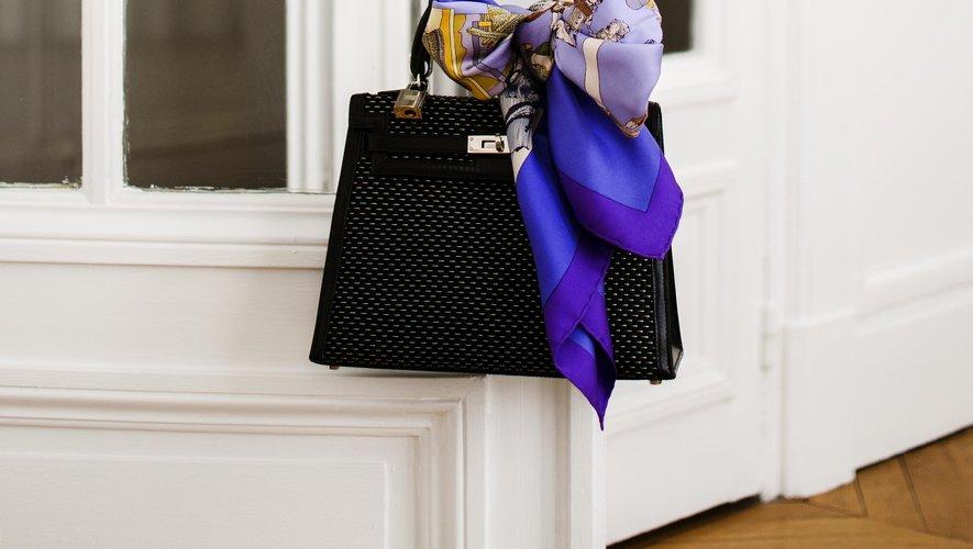 Ces deux créations Hermès seront vendues aux enchères au Crédit Municipal de Paris le 14 mars prochain.