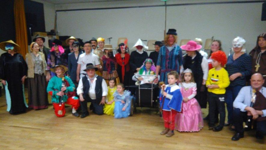 Joyeux carnaval et longue vieau bal du lundi soir !