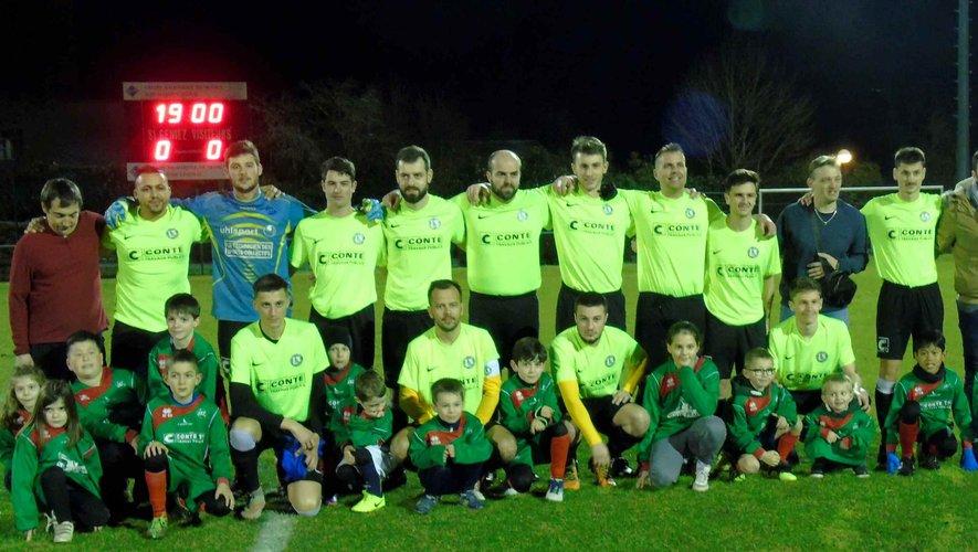 L'équipe seniors 1 de l'AS St-Geniez.